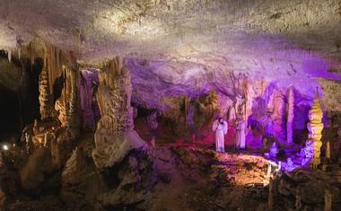 V Postojnski jami na ogled že 30. žive jaslice