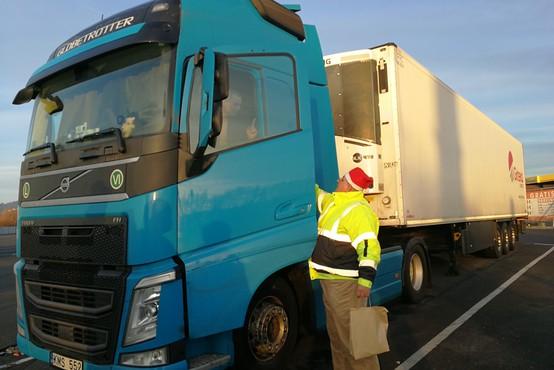 Voznike na počivališčih že petič obiskala božičkova šoferska karavana