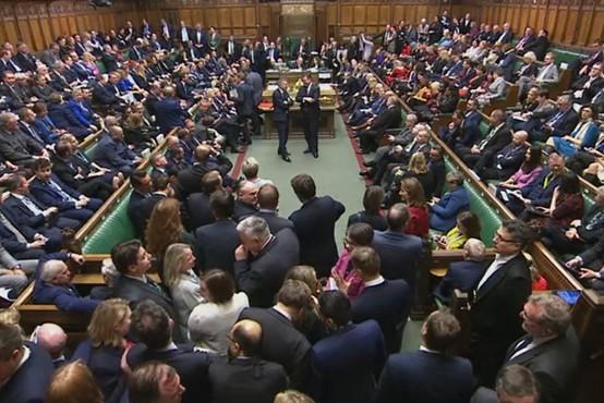 Po treh preložitvah se bo brexit vendarle zgodil