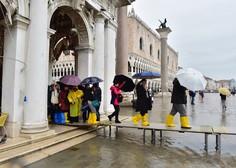 Benetke spet pod vodo: poplavilo 60 odstotkov središča mesta