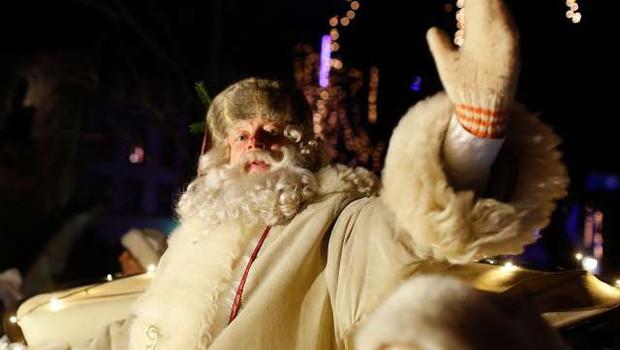 V Ljubljano se bo izpod Triglava pripeljal dedek Mraz (foto: Anže Malovrh/STA)