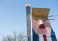 V Moravčah zažgali leseno skulpturo, ki spominja na Trumpa