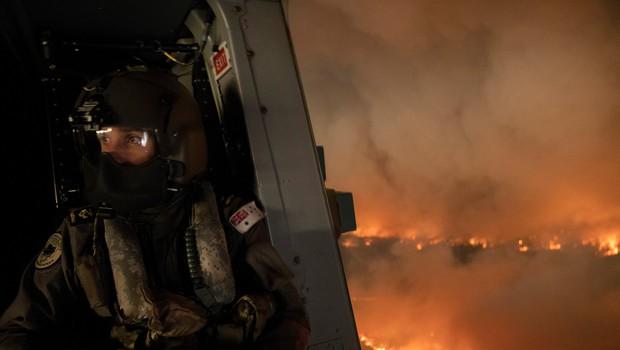 Na tisoče ljudi beži pred požari v Avstraliji (foto: profimedia)