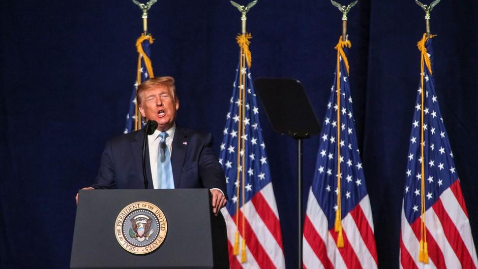 Donald Trump grozi, da so ZDA pripravljene napasti 52 ciljev v Iranu (foto: profimedia)