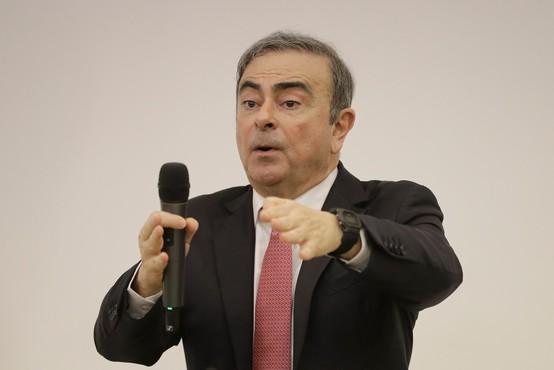 Nekdanji direktor Nissana in Renaulta prvič po pobegu spregovoril javnosti