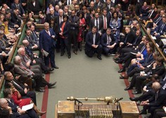 Britanski poslanci potrdili zakon o izstopnem sporazumu