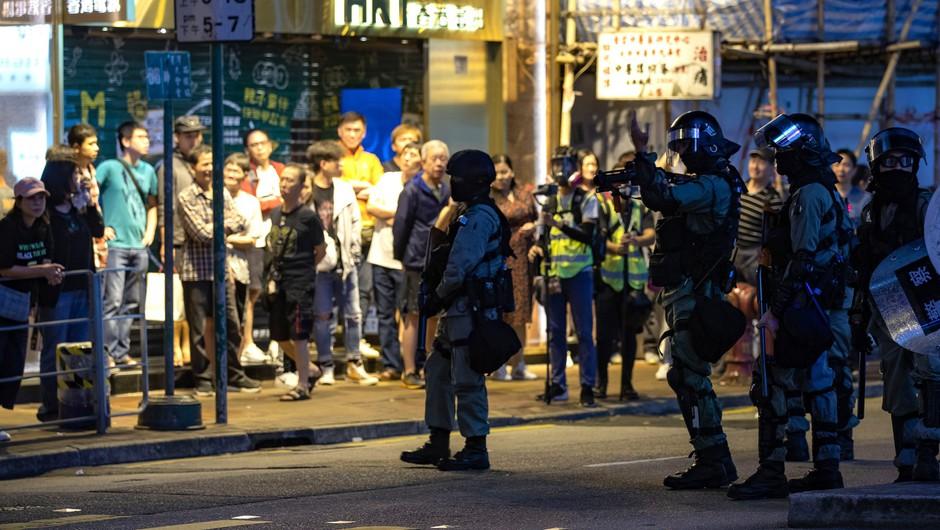 Ljudje v Hongkongu zaradi protestov v hudih duševnih stiskah (foto: profimedia)