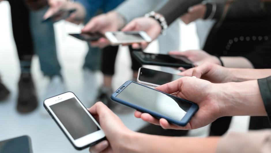 1,25 milijona prebivalcev Slovenije ima profil na vsaj enem družbenem omrežju (foto: profimedia)