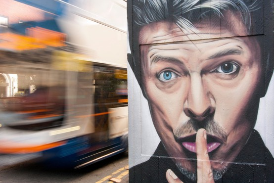 V Parizu kmalu ulica Davida Bowieja