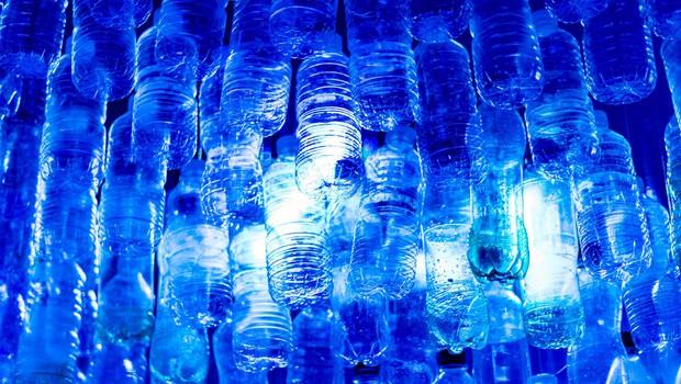 Znanstveniki s pomočjo sončne svetlobe razgradili plastiko (foto: profimedia)