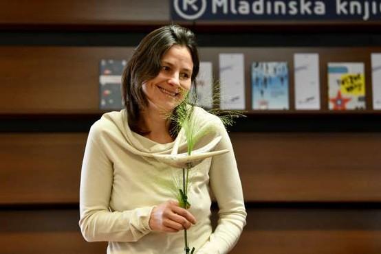 Nagrada modra ptica Simoni Semenič za roman Skrivno društvo KRVZ