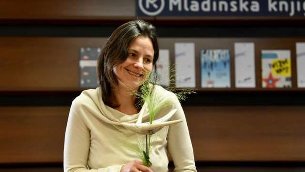 Nagrada modra ptica Simoni Semenič za roman Skrivno društvo KRVZ (foto: Tamino Petelinšek/STA)