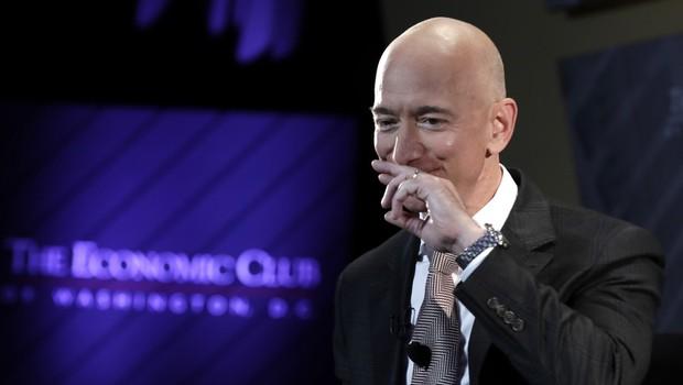 Donacija Jeffa Bezosa za Avstralijo razjezila javnost in odprla vprašanje – lahko kritiziramo donacije? (foto: Profimedia)