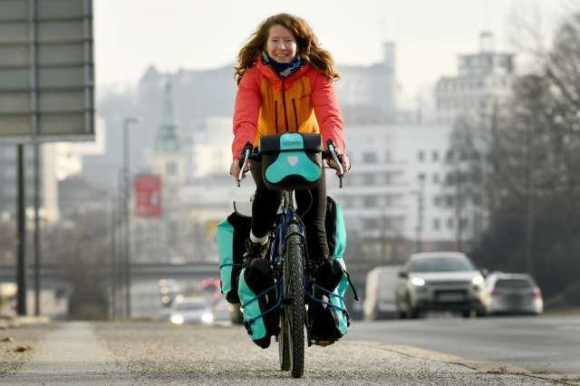 Norvežanka s kolesom iz Južne Afrike do Norveške s postankom v Sloveniji (foto: Tamino Petelinšek/STA)
