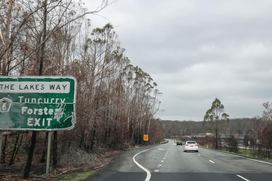 V Avstraliji gori navkljub deževju, zdaj jih je prizadelo še neurje s točo