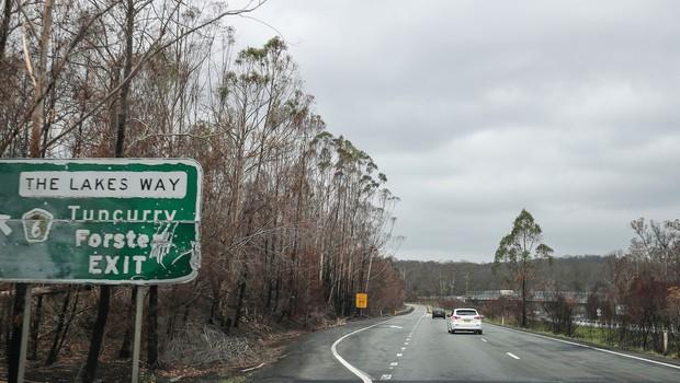 V Avstraliji gori navkljub deževju, zdaj jih je prizadelo še neurje s točo (foto: profimedia)