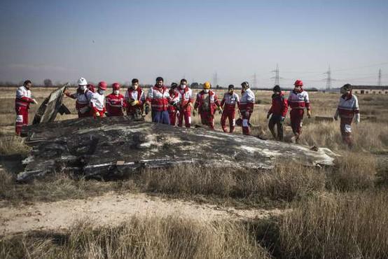 Na ukrajinsko letalo sta bili izstreljeni dve raketi, priznava Iran