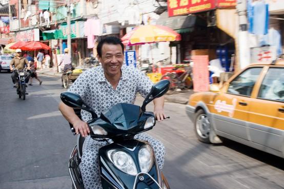 Pohujšanje po kitajsko: na pranger postavili ljudi, ki so v javnosti nosili pižame!