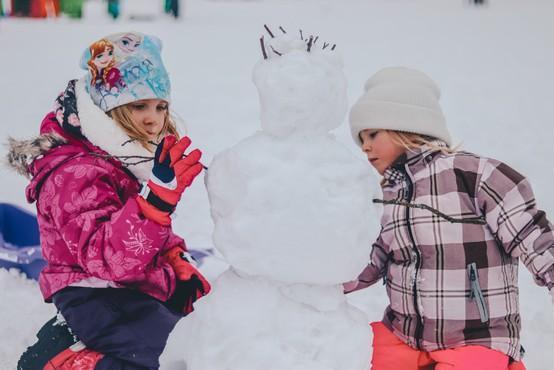 Zimske počitnice 2020: Kam z otroki na družinski oddih v Sloveniji?