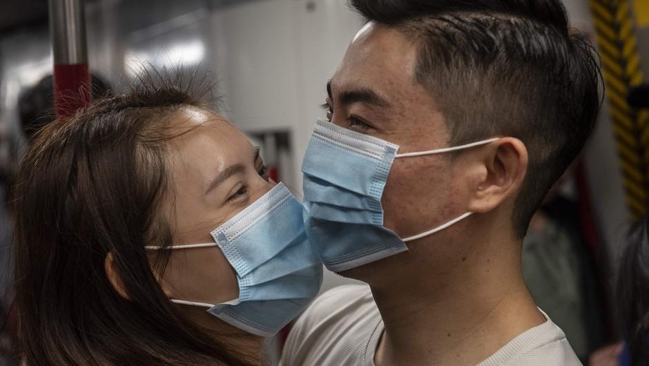 Število žrtev novega virusa narašča, na Kitajskem v izolacijo dodatna mesta (foto: profimedia)