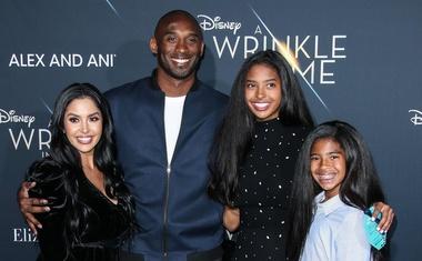 Poleg Kobeja in njegove 13-letne hčerke na helikopterju še sedem ljudi