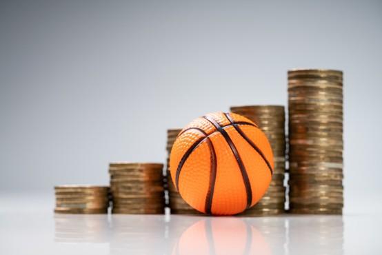 Med aretiranimi zaradi suma prirejanja izidov tudi slovenski košarkar