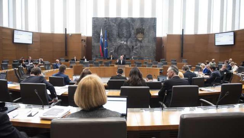 Za ukinitev dopolnilnega zdravstvenega zavarovanja premalo poslanskih glasov (foto: Bor Slana/STA)