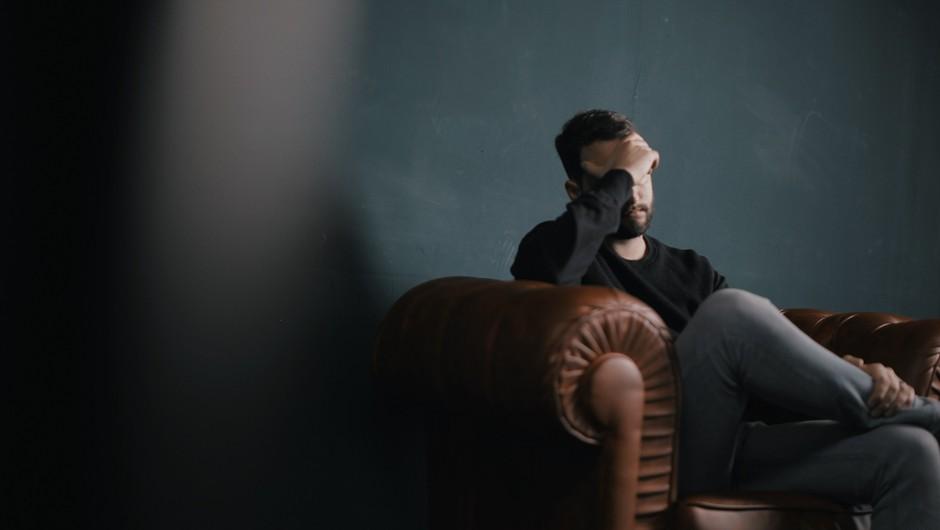 Čustvena travma, ki jo oseba doživi ob izgubi službe, je izjemno obsežna (foto: Unsplash)