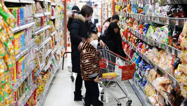 Pod peticijami za prepoved vstopa Kitajcem že skoraj milijon podpisov (foto: profimedia)