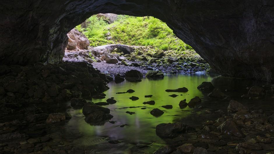 Reševanje ponesrečenca iz slovenske jame v oddaji Rescued National Geographica (foto: profimedia)