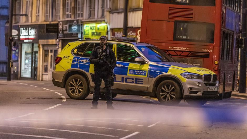 Policija v Londonu ubila moškega, ki je zabodel dva človeka (foto: profimedia)