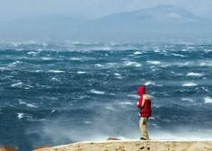 Močna neurja zajela Hrvaško, v Črni gori razglasili rdeč alarm