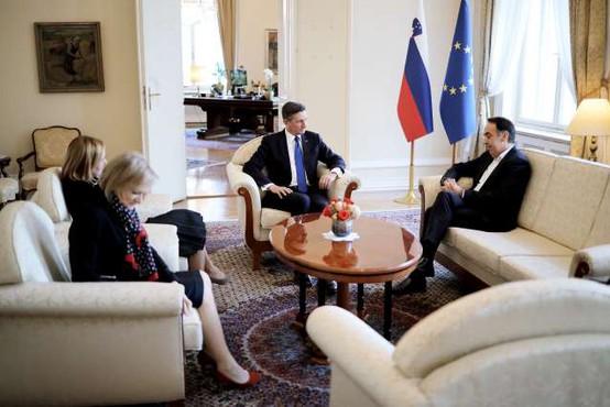 Pahor začel posvetovanja s poslanskimi skupinami