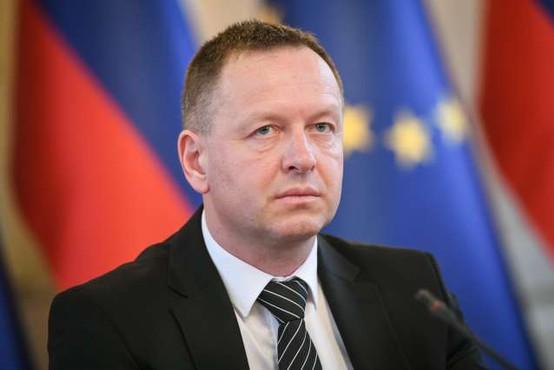 Borut Pahor potrdil imenovanje Roberta Šumija za predsednika KPK