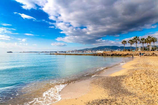 Gloria je opustošila plaže na Majorki, sezona pod vprašajem