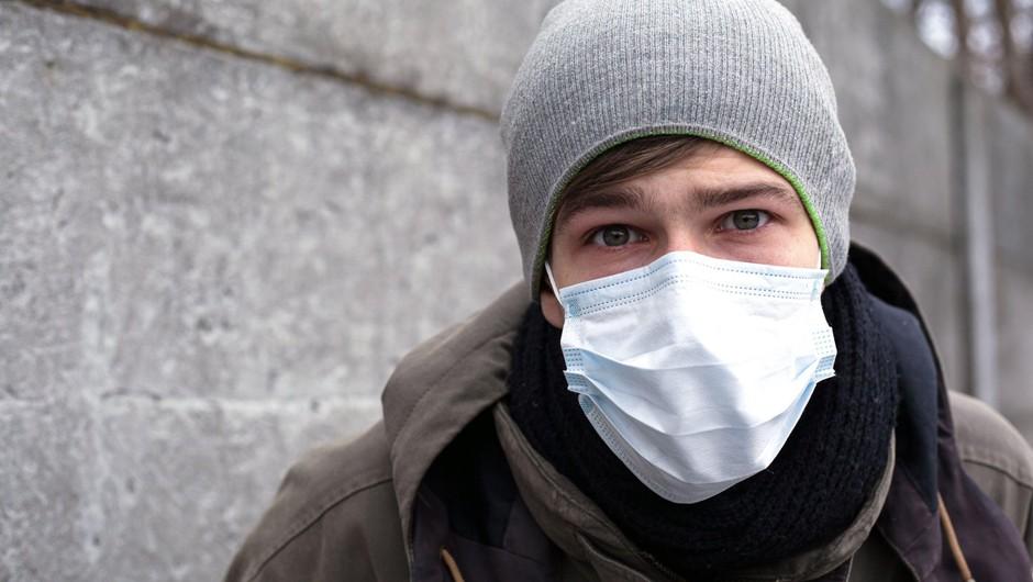 V Sloveniji nošenje zaščitnih mask zaradi koronavirusa ni potrebno (foto: profimedia)