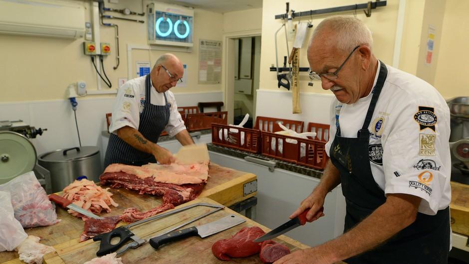 Po poročanju 24ur: Inšpekcija lani zaradi kršitev zaprla štiri mesnice (foto: Profimedia)