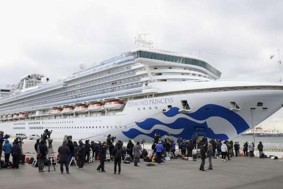 Med okuženimi tudi slovenska potnika ladje Diamond Princess