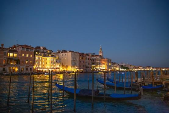 Turistične agencije kljub koronavirusu v Italiji ne odpovedujejo potovanj