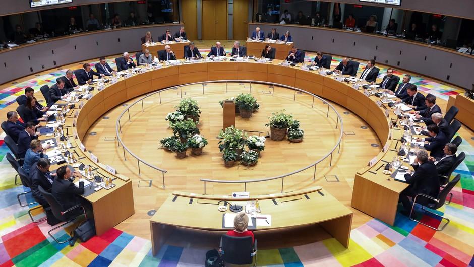Bruselj proti novemu koronavirusu z 232 milijoni evrov (foto: profimedia)