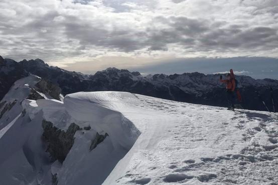 Na Mali Mojstrovki nastala smrtno nevarna snežna razpoka
