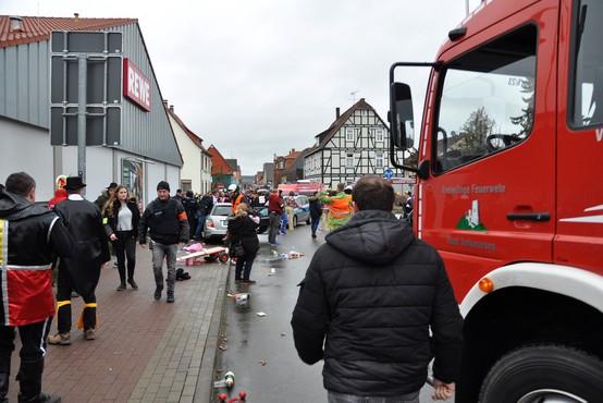 V nemškem Volkmarsnu po zadnjih podatkih več kot 50 poškodovanih