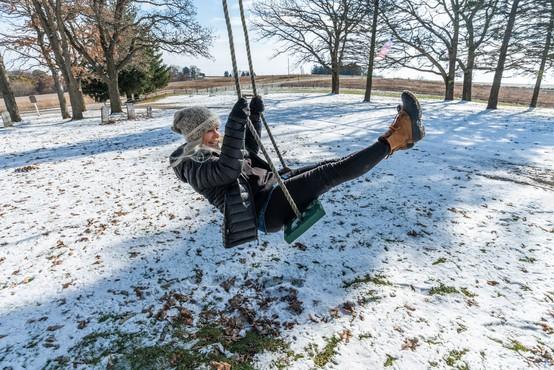 Meteorologi se niso motili: na Koroškem dež že prehaja v sneg!