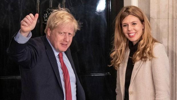 Britanski premier Johnson s partnerko Carrie pričakuje otroka (foto: profimedia)