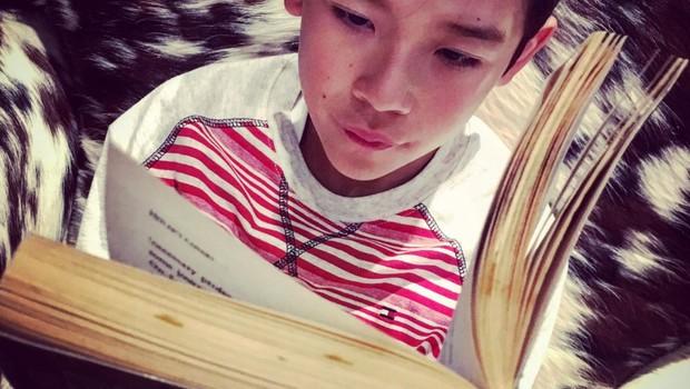 13-letnik je postal Instagram zvezda potem, ko so ga vrstniki zasmehovali zaradi ljubezni do knjig (foto: profimedia)