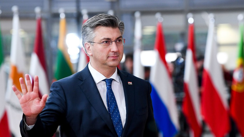 Ob zaostrovanju migrantske krize Hrvaška razmišlja o vojski na meji (foto: profimedia)