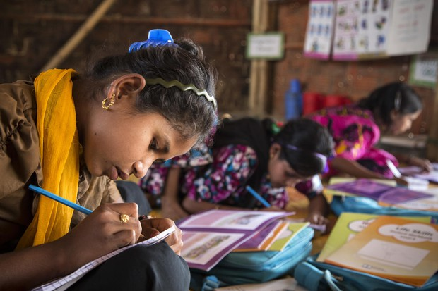 Izboljšanja pri izobraževanju, a deklice ostajajo žrtve nasilja in diskriminacije (foto: UNICEF Press)