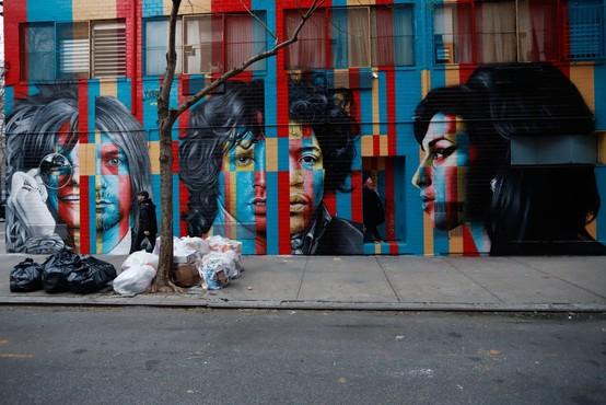 Granitno obeležje na londonskem pločniku slavnih dobila še Amy Winehouse