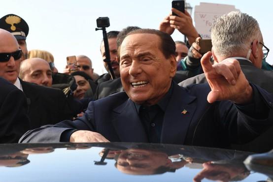 Silvio Berlusconi po 12 letih končal s 34-letnico in zdaj hodi s 30-letno poslanko