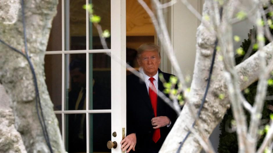 Donald Trump okužene sodržavljane pošilja v službo! (foto: profimedia)